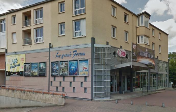 Les cambrioleurs tentaient d'ouvrir le coffre-fort du cinéma de Louviers : l'un d'eux est interpellé