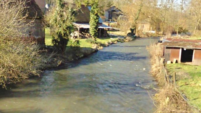 L'Eaulne prend sa source à Mortemer et se jette dans l'Arques près de Dieppe