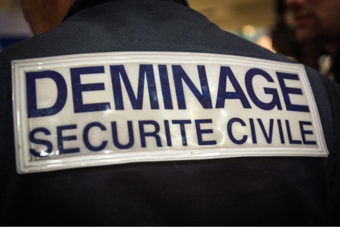 Le déminage fait exploser un sac  suspect dans l'église Sainte-Julitte à Saint-Cyr-l'École