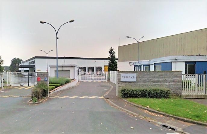 Les deux salariès, la mère et le fils, travaillaient dans cette usine de parfums à Poissy (Illustration © Google Maps)