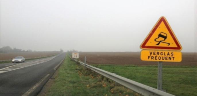 Le verglas était omniprésent sur les routes de la Seine-Maritime et de l'Eure, ce dimanche matin (Photo © infoNormandie)