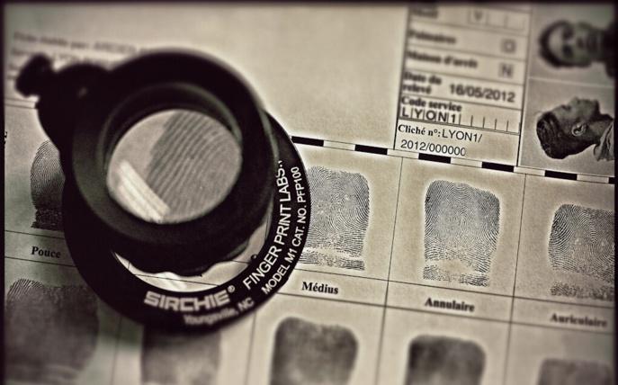 Les empreintes du jeune homme étaient répertoriées dans le fichier national des empreintes génétiques de la Police (Illustration © DGPN)