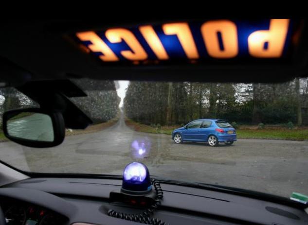 L'automobiliste a été repéré par une patrouille de police alors qu'il conduisait sans permis (Illustration)