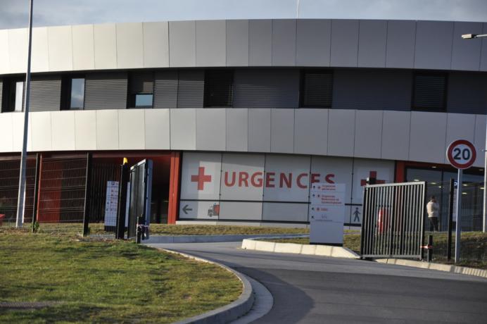 Le jeune homme a été admis aux urgences de l'hôpital d'Evreux, dans un état critique (Illustration © infoNormandie)