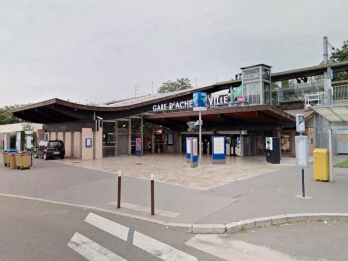 Yvelines : jets de cailloux a Achères sur une rame du RER A