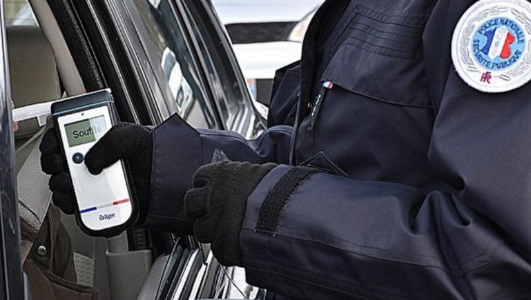 52 conducteurs ont été soumis à un dépistage d'alcoolémie en 1 heure de temps, près du MIN, à Rouen (Photo © DDSP76)