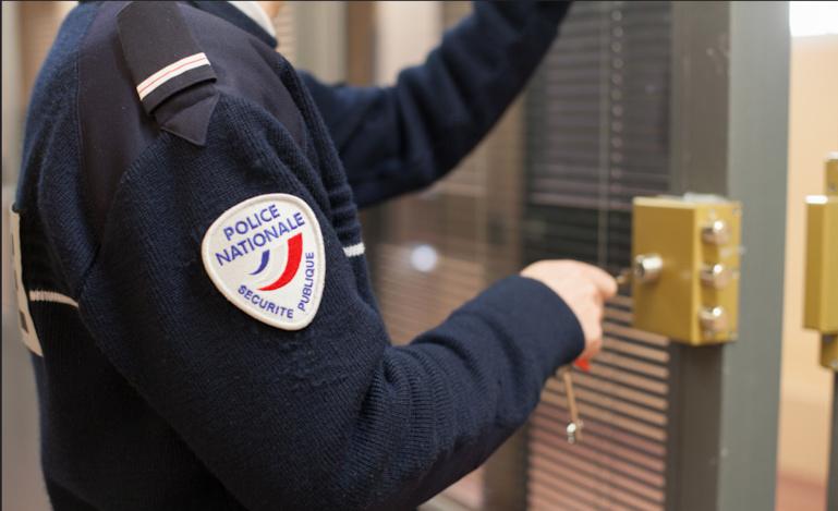 Le cambrioleur s'est retrouvé en garde à vue au commissariat de Saint-Germain-en-Laye (Illustraction © DGPN)