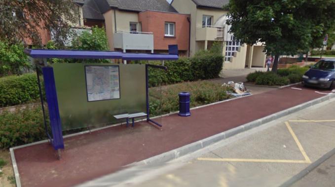 Saint-Etienne-du-Rouvray : il brise une vitre de l'abri-bus à coups de pierres