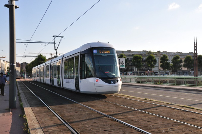 L'enquête devra établir dans quelles circonstances la rame du métrobus a écrasé le pied du quadragénaire (Illustration © infonormandie)