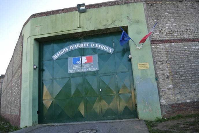 Le jeune homme, condamné à 8 mois ferme, a retrouvé ce soir la maison d'arrêt d'Evreux (Illustration © infonormandie)