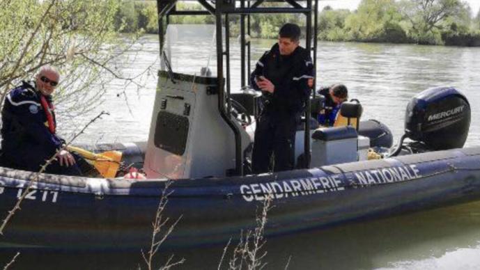 D'importants moyens nautiques sont actuellement déployés sur l'Andelle et la Seine (Photo © Gendarmerie de l'Eure)