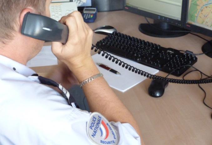 La victime de violences conjugales a contacté le 17, numéro de police secours, pour signaler  les faits (Illustration © DDSP76)