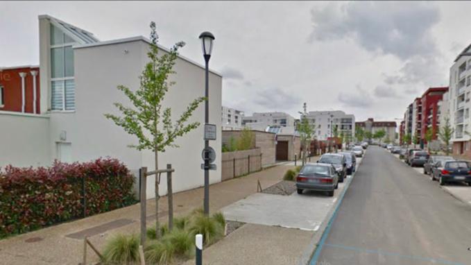 Les arbustes avaient été fraîchement plantés par les employés de la ville rue Eugène Boudin - Illustration @ Google Maps