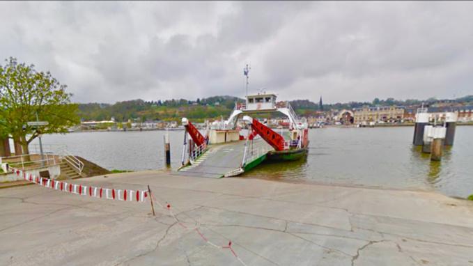 L'accident s'est produit au niveau du bac qui assure la traversée du fleuve entre Berville-sur-Mer et Duclair - Illustration @ Google Maps