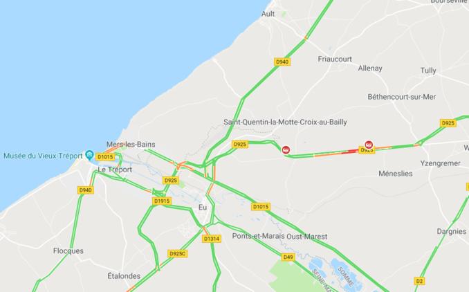 Seine-Maritime : une voiture s'embrase sur la route d'Abbeville à Eu, pas de blessé