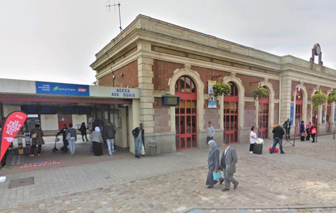 Le pseudo agent secret a été interpellé à sa descente du train en gare de Mantes-la-Jolie - Illustration © Google Maps
