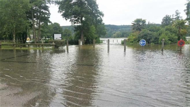La base de loisirs de Brionne est à son tour complètement inondée - Photo © Préfecture 27/Twitter