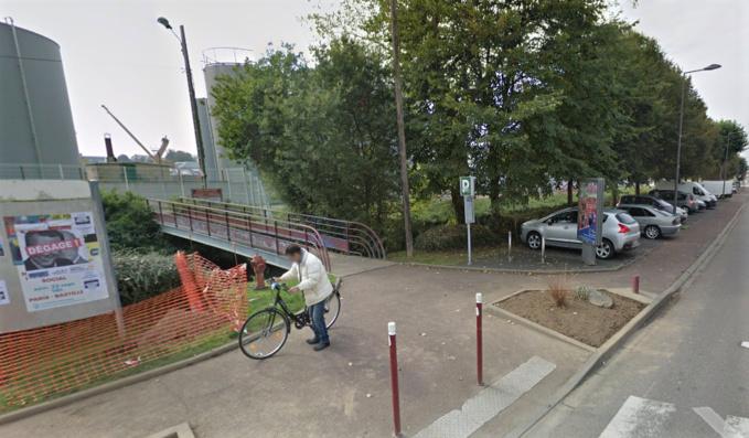 L'agression s'est déroulée à hauteur de la passerelle qui enjambe La Valmont, avenue Jean Lorrain - illustration © Google Maps