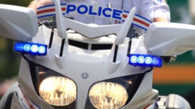 Seine-Maritime : le pilote d'une moto de cross en infraction contrôlé avec des stupéfiants, près de Rouen