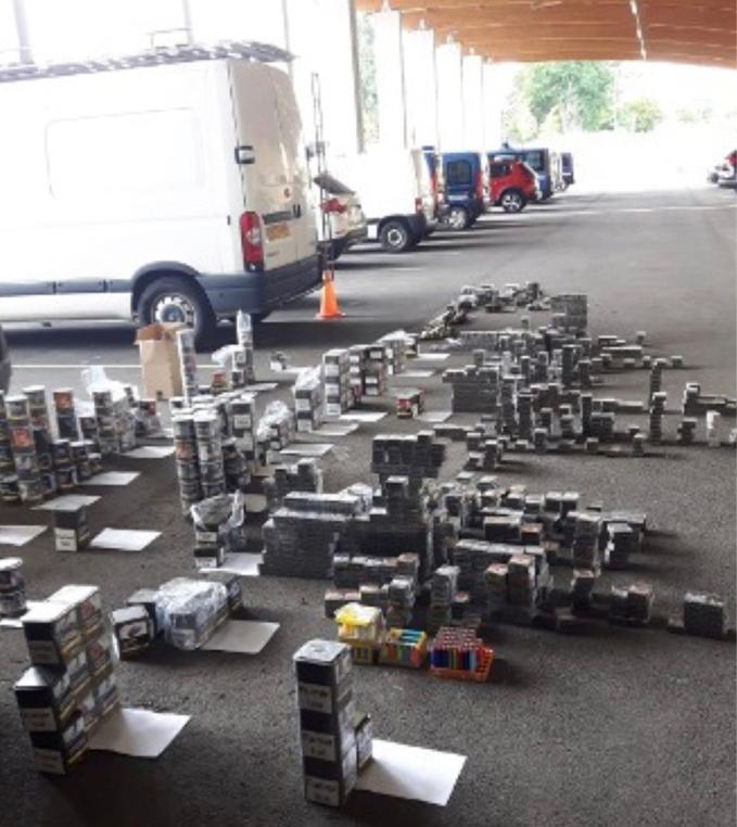 Les marchandises récupérées ont été placés sous scellés pour les besoins de l'enquête. Elles seront restituées aux victimes dès la fin de la procédure - Photo © Gendarmerie