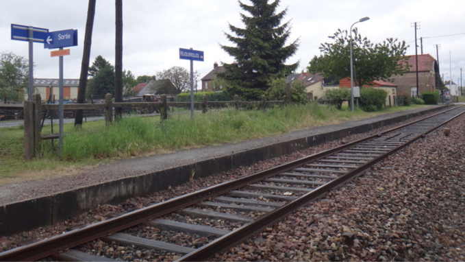 La ligne est fermée depuis le 28 mai dernier. Elle pourra reprendre du service après la remise en état de la voie - Illustration @wikipedia