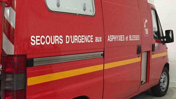 Blessée, la conductrice a été transportée à l'hôpital par les sapeurs-pompiers - Illustration