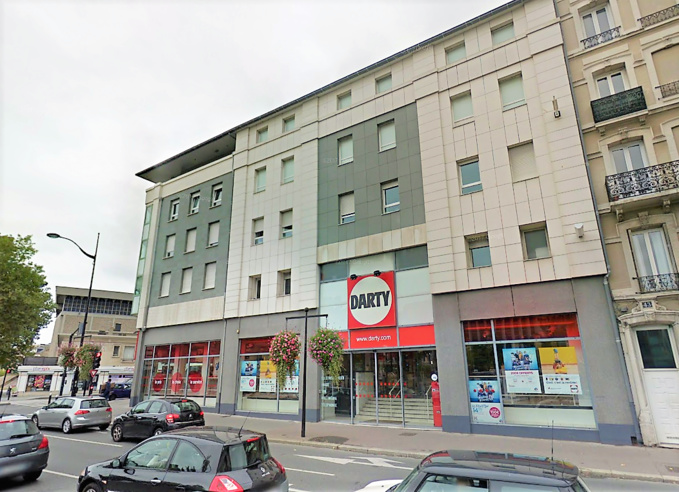 Les 25 appartements situés au dessus du magasin ont été évacués en raison des risques de propagation - Illustration @ Google Maps