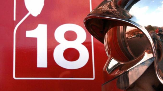 Rouen : les pompiers portent secours à son amie, elle les frappe à coups de pied