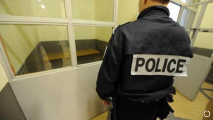 L'automobiliste est resté vingt heures en cellule de dégrisement avant d'être entendu par les policiers - illustration