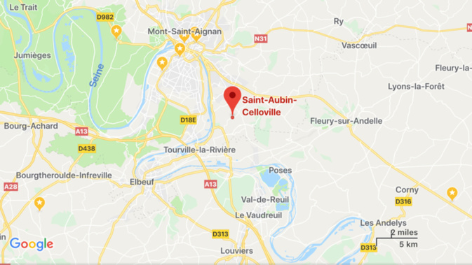 Un camion-remorque se renverse en bordure de la route en Seine-Maritime, le chauffeur est blessé