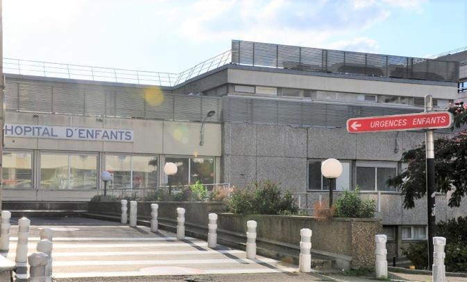 Les huit enfants piqués ont été examinés au CHU de Rouen et ont reçu un traitement préventif - illustration © infonormandie