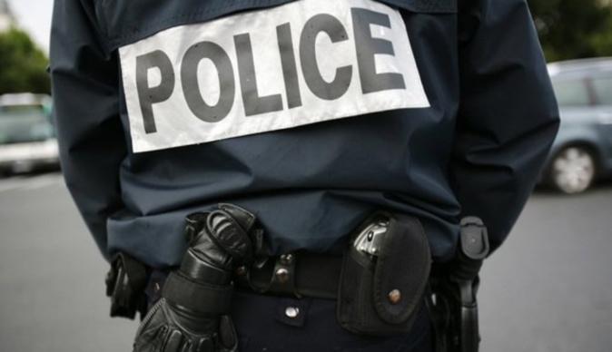 Une dizaine d'assaillants s'en sont pris aux policiers venus sécuriser une opération anti-drogue dans le quartier de la Mare Rouge - Illustration