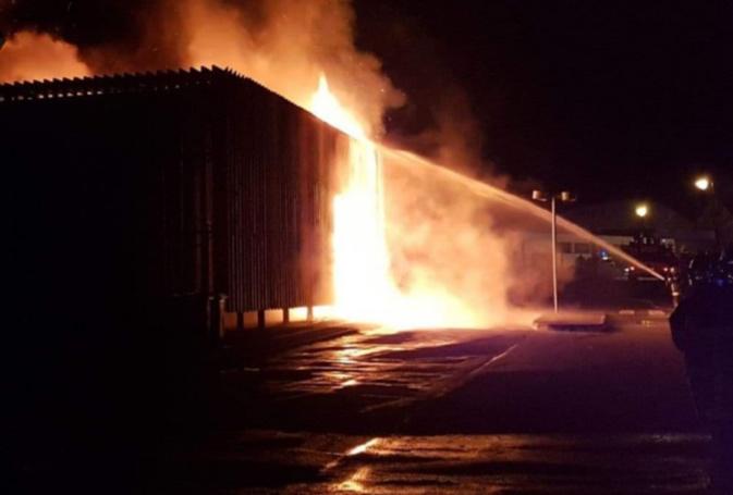 De gros moyens ont été mobilisés pour venir à bout de l'incendie - Photos © infonormandie