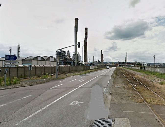Le drame s'est produit sur le boulevard Maritime à Petit-Couronne, dans la soirée de lundi - Illustration © Google Maps