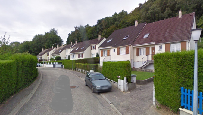 Le drame est survenu dans cette coquette cité pavillonnaire du Houlme - Illustration © Google Maps