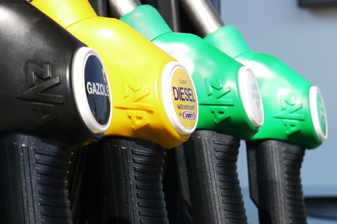 L'acquisition par des particuliers de carburants et de produits inflammables à emporter est interdite entre vendredi et lundi - Illustration © Pixabay