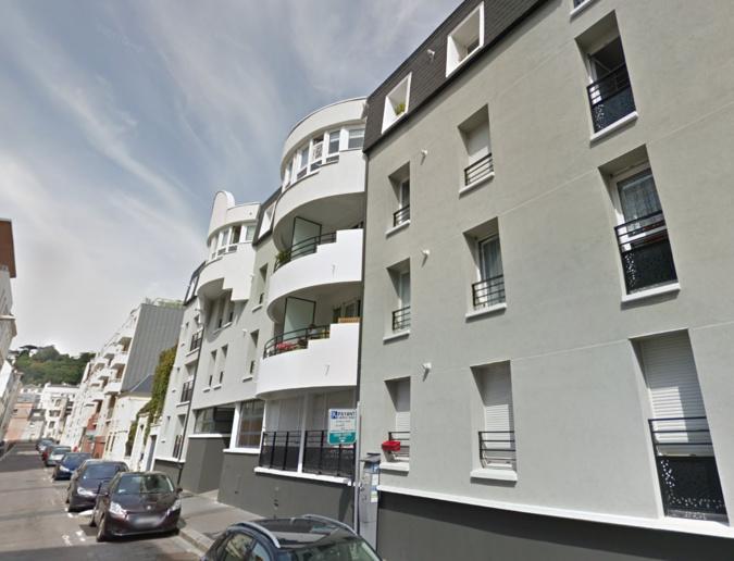 La sexagénaire est tombée du troisième étage de l'immeuble où elle habitait, rue Lemaistre - Illustration © Google Maps