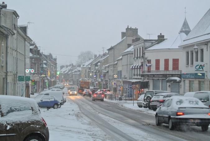 La perturbation neigeuse arrive cette nuit de lundi à mardi par la Normandie - Illustration © infonormandie