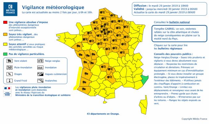 Sur cette carte de ©Météo France, 43 départements sont en vigilance orange neige-verglas  (Cliquer sur la carte pour la visualiser)