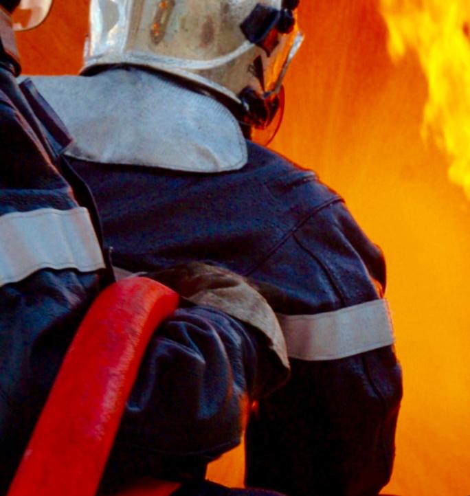 Deux pompiers ont été légèrement blessés par le souffle de l'explosion  - Illustration