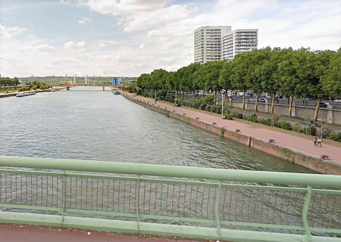Le quinquagénaire s'est jeté du pont Jeanne d'Arc, à Rouen  - Illustration © Google Maps
