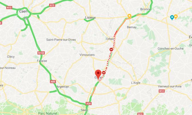 Un camion transportant des bovins se renverse : l'A28 coupée entre Rouen et Alençon