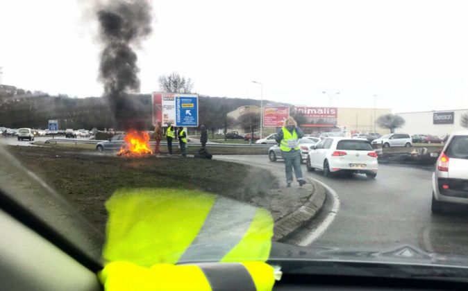 La tension a souvent été palpable aux ronds-points bloqués par les gilets jaunes - Photo d'illustration © infonormandie