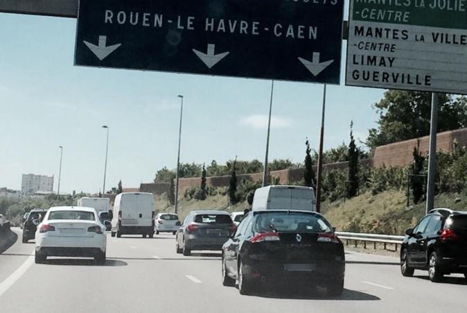 Suite à ce drame de la route, et pour les besoins de l'enquête, l'autoroute a été fermée plus de deux heures dimanche matin en direction de la Normandie  - Illustration © infonormandie
