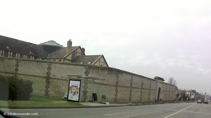 L'homme, originaire de Pont-Audemer, venait d'être libéré de la maison d'arrêt d'Evreux, lorsqu'il a été abattu - Illustration © infonormandie