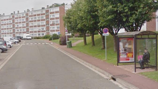 Le bus a été caillassé rue de la Ferme du Paradis, près de l'arrêt «Maison des associations» - Illustration