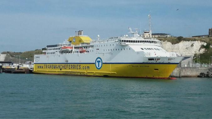Au Terminal ferries, à Dieppe, le ministre assistera à un contrôle lors du débarquement d'un ferry - Illustration © infonormandie