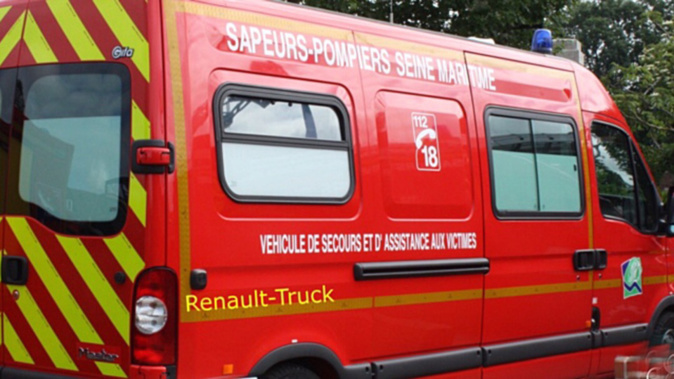 Le conducteur, légèrement blessé, a été conduit par les sapeurs-pompiers à l'hôpital de Dieppe - Illustration