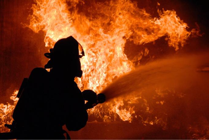 La toiture a été emportée par les flammes - Photo d'illustration © Pixabay