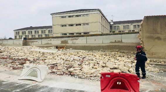 Le mur s'est effondré sur une trentaine de mètres côté avenue des Ursulines - Photo © DR